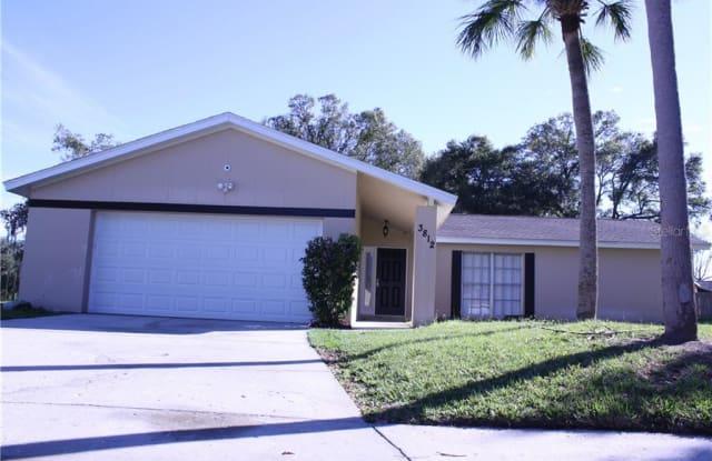3812 LAKE GROVE COURT - 3812 Lake Grove Court, Bloomingdale, FL 33511