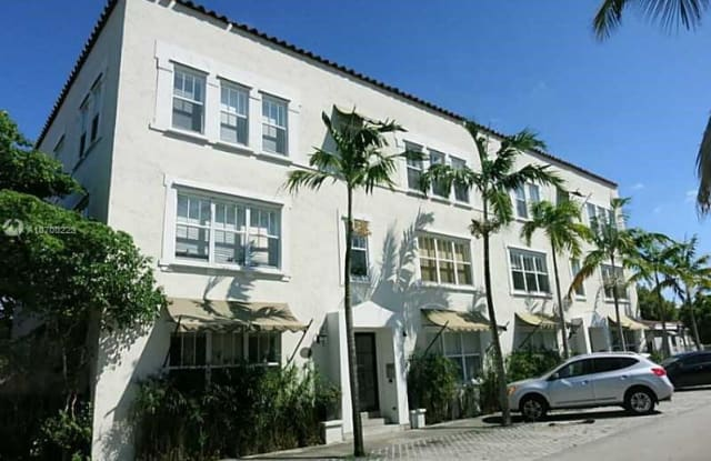 405 SW 29th Ct - 405 Southwest 29th Court, Miami, FL 33135