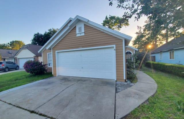 129 Edgewater Circle - 129 Edgewater Circle, Sanford, FL 32773