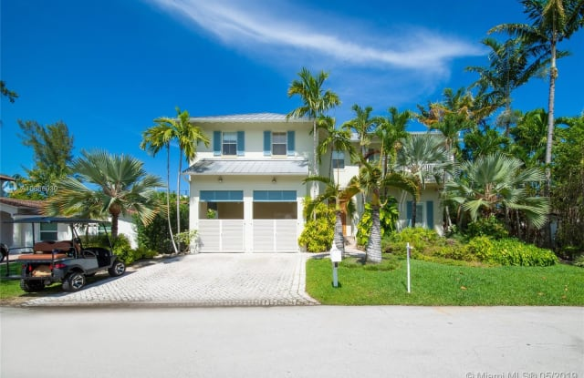270 Buttonwood Dr - 270 Buttonwood Drive, Key Biscayne, FL 33149