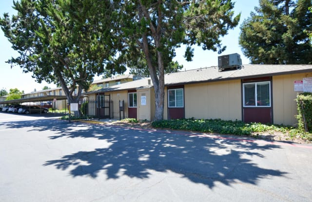 Driftwood Apartments - 800 W Grant Line Rd, Tracy, CA 95376