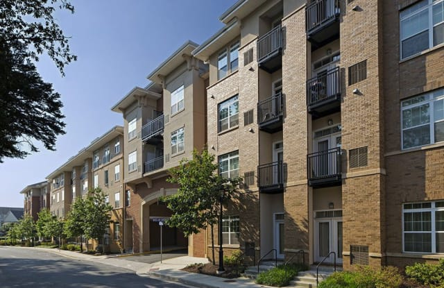 The Point at Monroe Place - 2300 Woodland Crossing Dr, Herndon, VA 20171