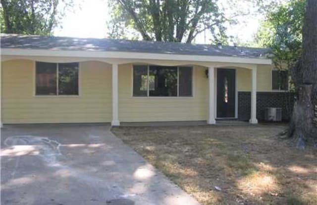 809 N 14Th PL - 809 North 14th Place, Rogers, AR 72756