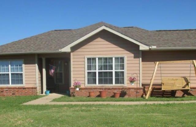 Willow Creek II - 1503 Princeton Avenue, Ponca City, OK 74604