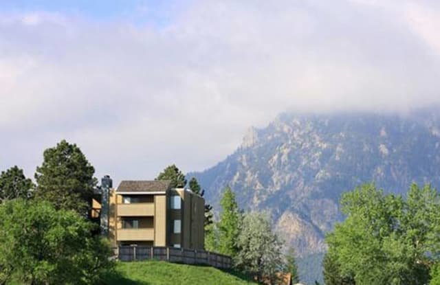 Bonterra Lakeside Apartments - 890 Quail Lake Cir, Colorado Springs, CO 80906