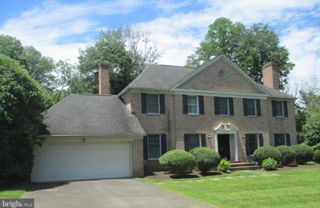 6367 LYNWOOD HILL RD - 6367 Lynwood Hill Road, McLean, VA 22101