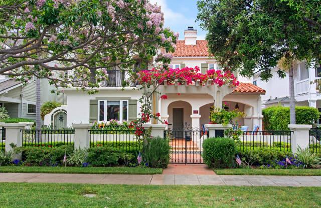 954 H Ave - 954 H Avenue, Coronado, CA 92118