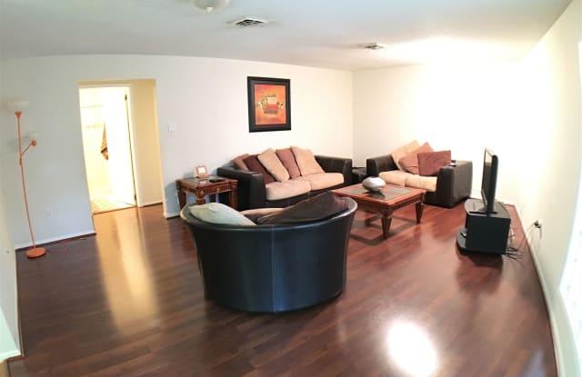 600 W Fern Ave Apt 19 - 600 Fern Avenue, McAllen, TX 78501