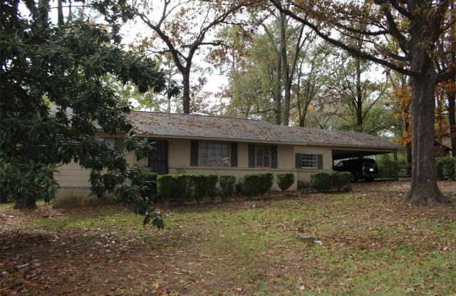 377 E Leavell Woods Dr - 377 East Leavell Woods Drive, Jackson, MS 39212