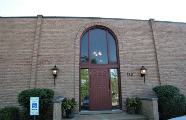 550 East Main Street - 550 Lake-Cook Road, Barrington, IL 60010