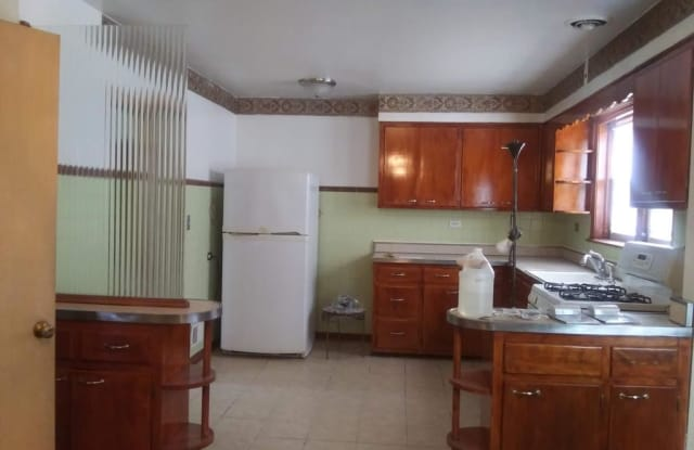4321 W Cortez St Unit 2 - 4321 West Cortez Street, Chicago, IL 60651