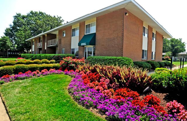 University Apartments - 5801 Lowery Rd, Norfolk, VA 23502