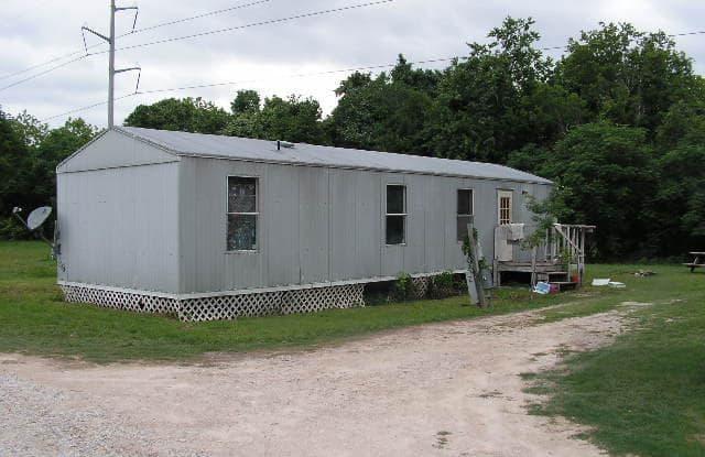 138 GBRV Loop - 138 Gbrv Loop, Canyon Lake, TX 78133