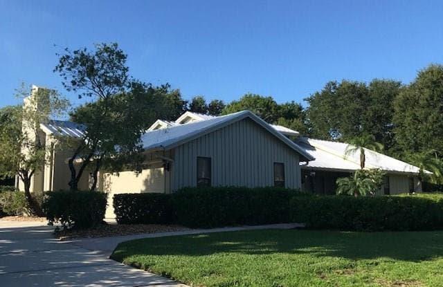 5 Oakwood Drive - 5 Oakwood Drive, Sewall's Point, FL 34996