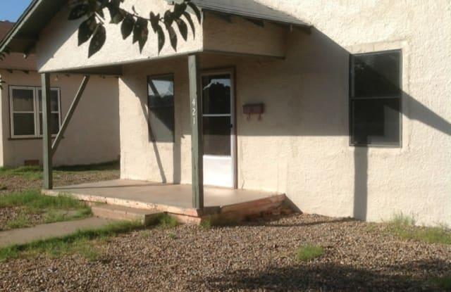 421 S Avenue B - 421 South Avenue B, Portales, NM 88130