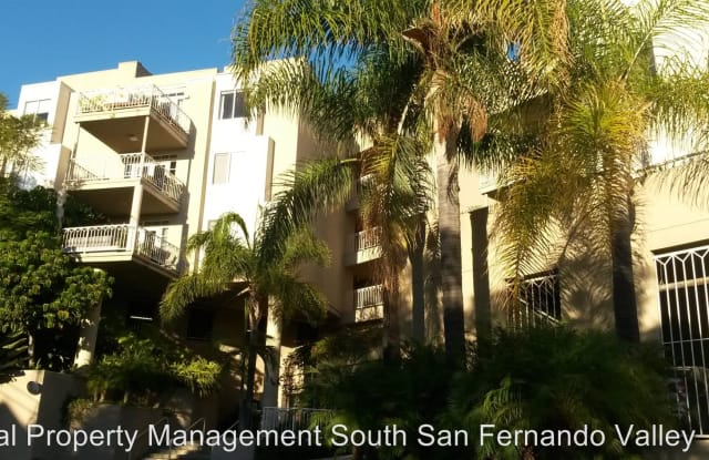 2222 N Beachwood Drive Unit #309 - 2222 N Beachwood Dr, Los Angeles, CA 90068