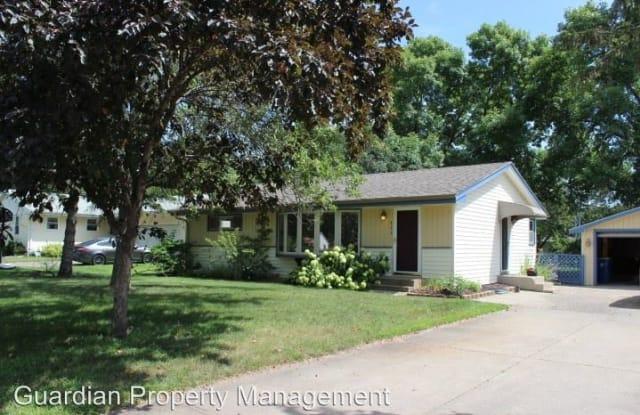 711 Baxter St - 711 Baxter Street North, Champlin, MN 55316