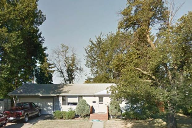 401 - 25th St NW - 401 25th Street Northwest, Minot, ND 58703