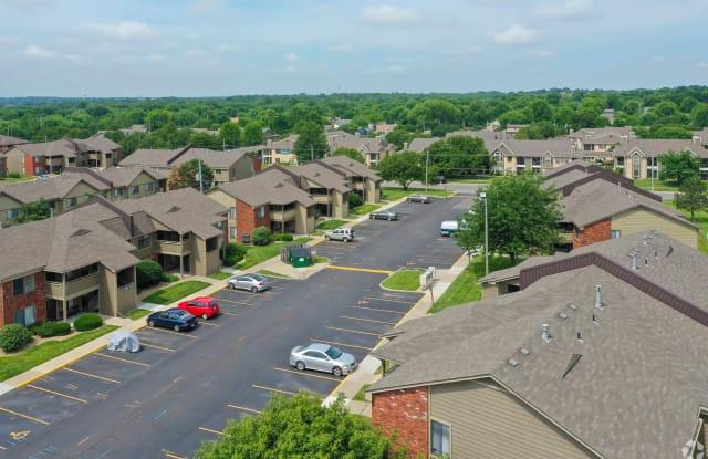 Villa West Apartments - 2744 SW Villa West Dr, Topeka, KS 66614