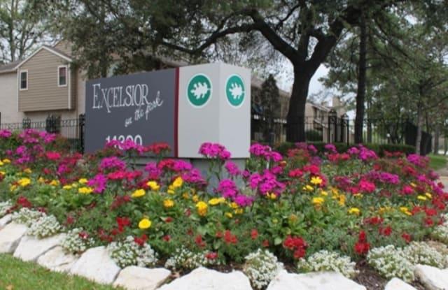 Excelsior On The Park - 14300 Ella Blvd, Houston, TX 77014