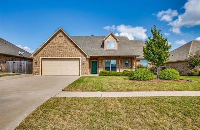 1712 Shawnee Drive - 1712 Shawnee Drive, Cleburne, TX 76033