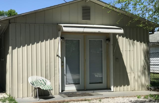 2017 1/2 Deming - 2017 1/2 Deming St, Terre Haute, IN 47803