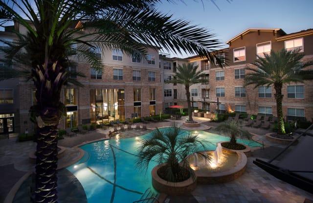 7 Square Apartments - 7777 Katy Fwy, Houston, TX 77024