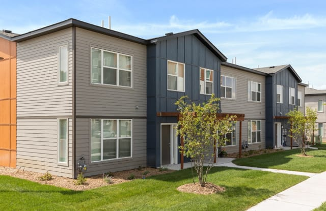 Liberty Apartments and Townhomes - 2448 Winnetka Ave N, Golden Valley, MN 55427