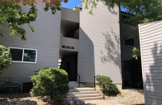 7235 Lakeside Court - 7235 North Lakeside Court, Peoria, IL 61614