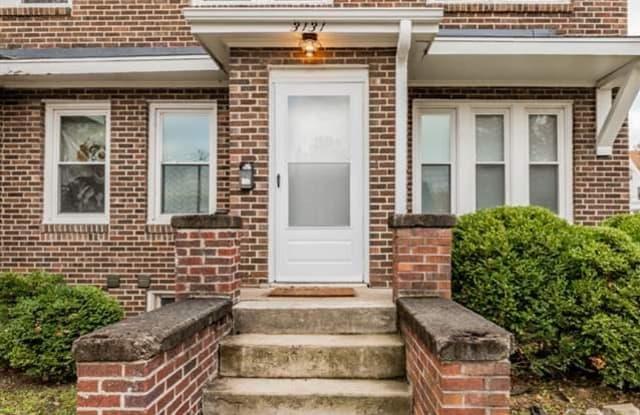 3131 Cass Street - 3131 Cass Street, Omaha, NE 68131