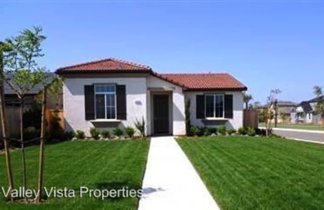 1898 N Highland Ave - 1898 North Highland Avenue, Clovis, CA 93619