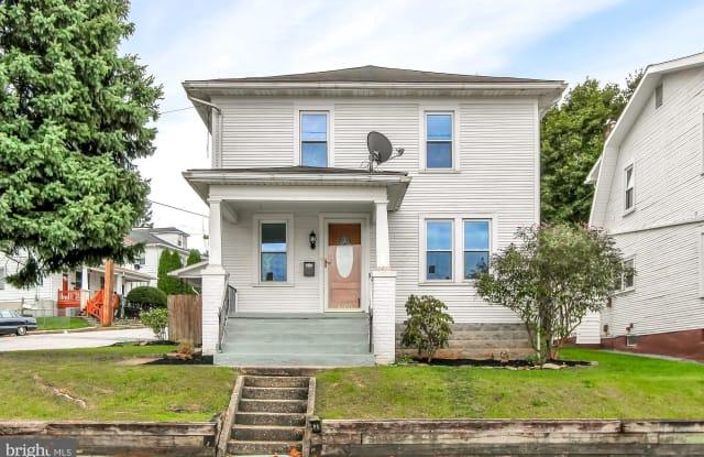 1400 W POPLAR TERRACE - 1400 West Poplar Terrace, West York, PA 17404