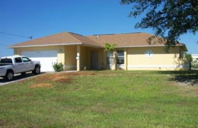 821 SE 10th Street - 821 Southeast 10th Street, Cape Coral, FL 33990