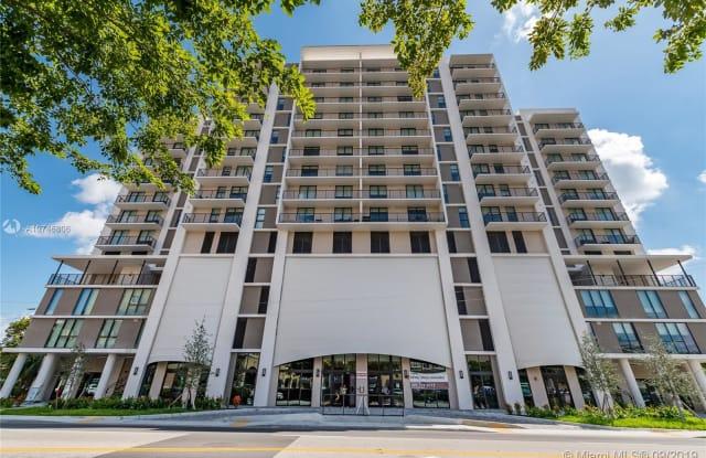 1501 SW 37th Ave - 1501 S Douglas Rd, Miami, FL 33145