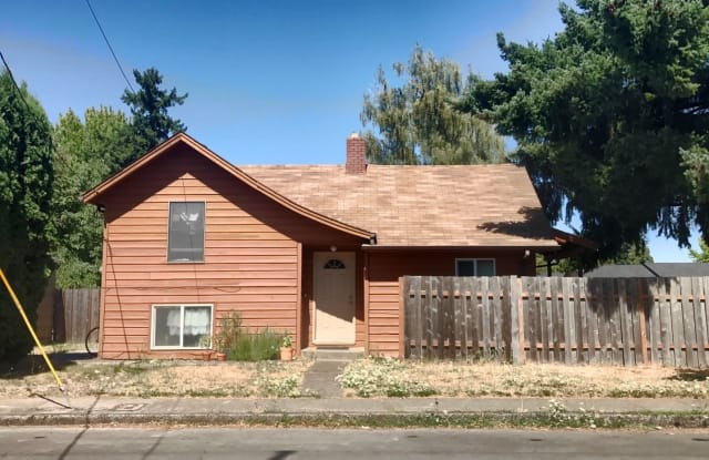 2305 NW Fillmore Ave - 2305 Northwest Fillmore Avenue, Corvallis, OR 97330