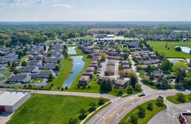 Brittany Bay Townhomes - 4365 Bayshire Rd, Groveport, OH 43125