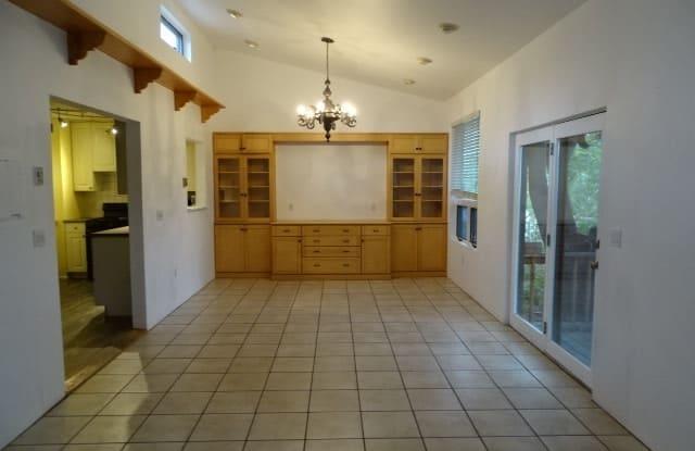 231 Las Mananitas - 231 Las Mananitas Street, Santa Fe, NM 87501