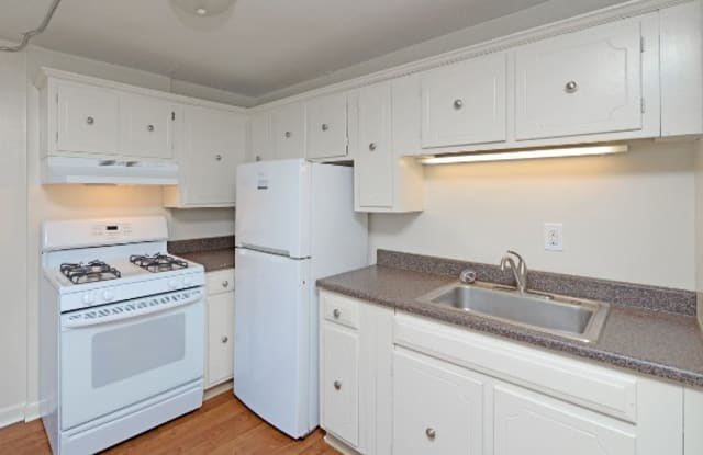 Apartments at Remington Pond - 315 Cowesett Ave, Kent County, RI 02893