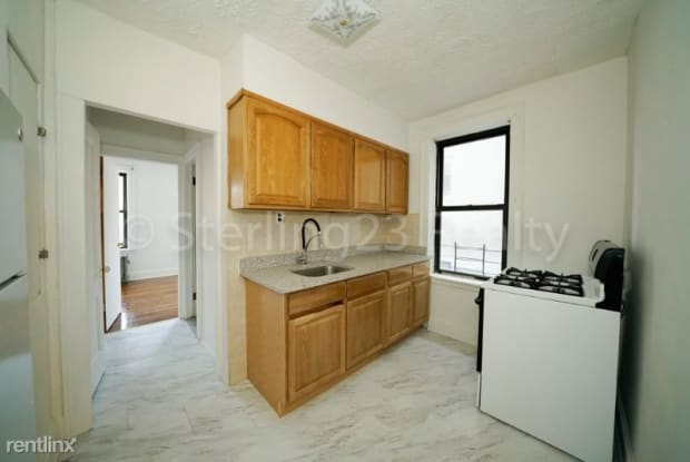 21-27 27th St 3fl - 21-27 27th Street, Queens, NY 11105