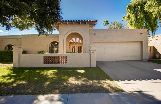 7325 E GRISWOLD Road - 7325 East Griswold Road, Scottsdale, AZ 85258