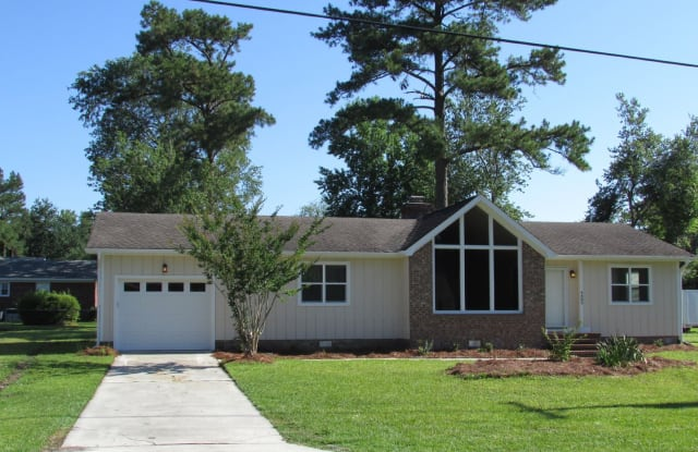 4483 Gordon Road - 4483 Gordon Road, Kings Grant, NC 28405