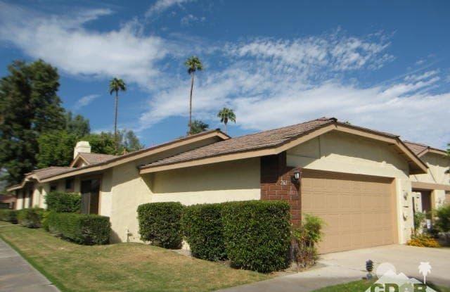 261 Santa Barbara Circle - 261 Santa Barbara Circle, Palm Desert, CA 92260