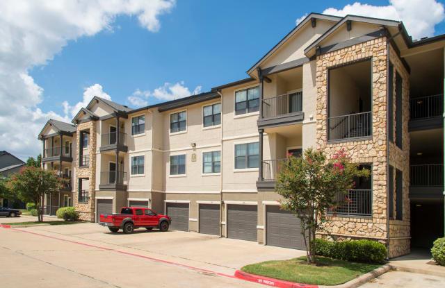 Presidio - 3150 Finfeather Rd, Bryan, TX 77801