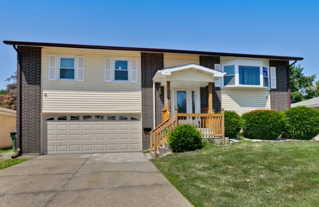 1408 South Tamarack Drive - 1408 South Tamarack Drive, Mount Prospect, IL 60056