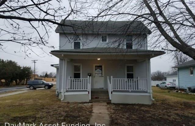 972 N Academy St - 972 N Academy St, Galesburg, IL 61401