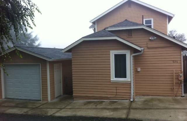 926 Montgomery Ave - 926 North Montgomery Avenue, Bremerton, WA 98312