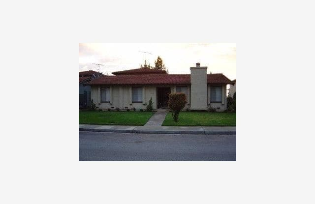 1512 Moorpark Avenue - 1512 Moorpark Avenue, San Jose, CA 95128