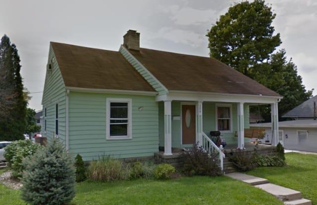 108 E Cottage Grove Avenue - 108 East Cottage Grove Avenue, Bloomington, IN 47408