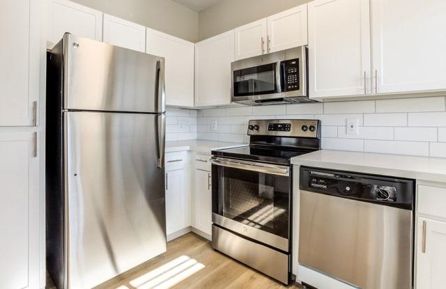 Finisterra Apartments - 1250 West Grove Parkway, Tempe, AZ 85283