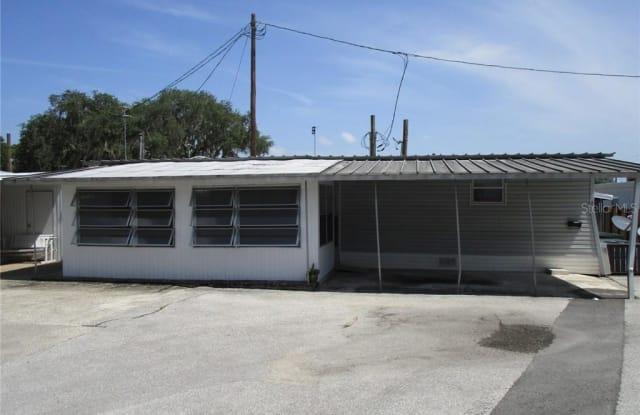 420 S LAKE AVENUE - 420 South Lake Avenue, Tavares, FL 32778